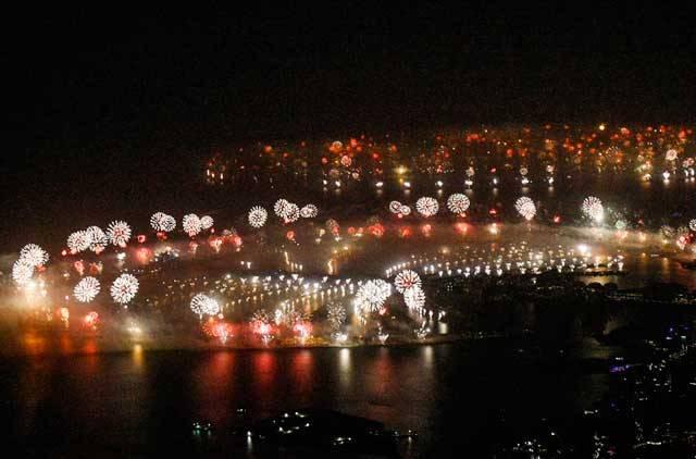 dubai-new-year-2014-fireworks-05