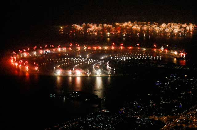 dubai-new-year-2014-fireworks-06