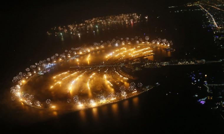 dubai-new-year-2014-fireworks-08