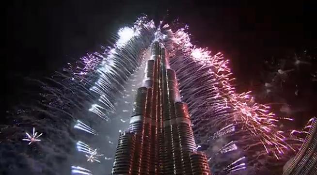 dubai-new-year-2014-fireworks-09