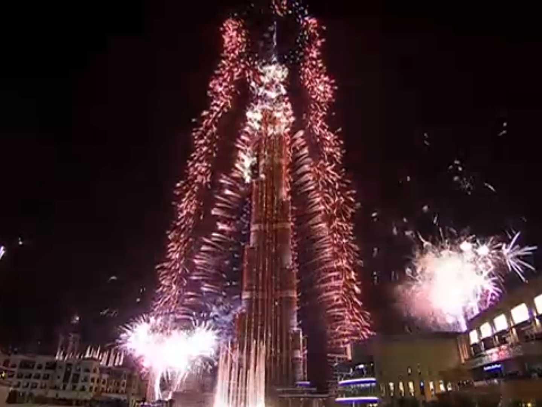 dubai-new-year-2014-fireworks-12
