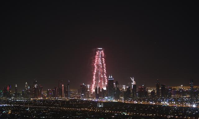 dubai-new-year-2014-fireworks-13