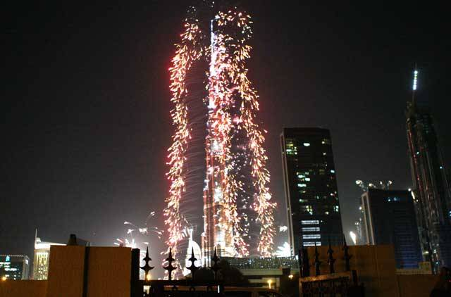 dubai-new-year-2014-fireworks-15