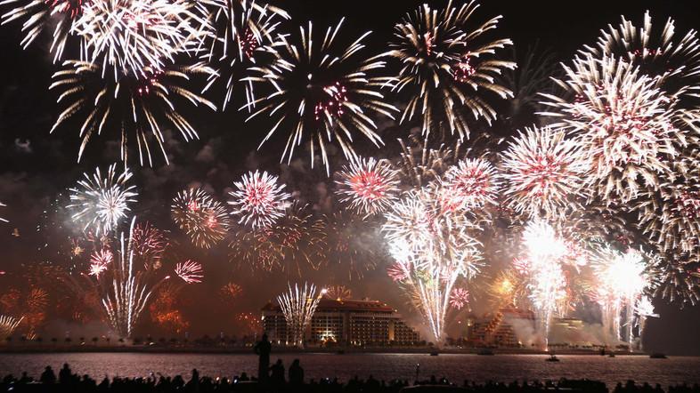dubai-new-year-2014-fireworks-18