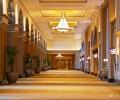 emirates-palace-luxury-lobb