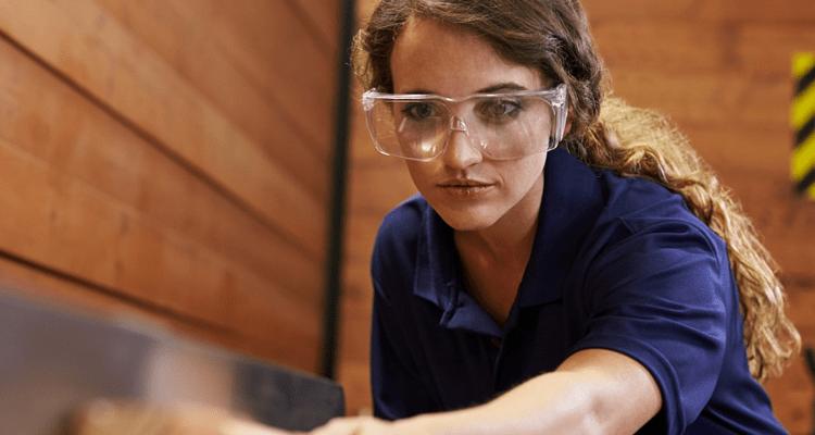 Safety Glasses in Dubai