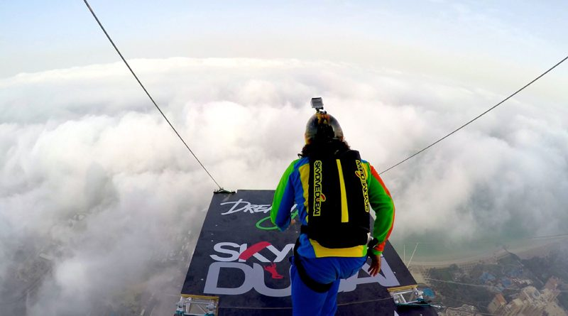 Dream Jump Extreme Stunt in Dubai by SkyDiveDubai and XDubai