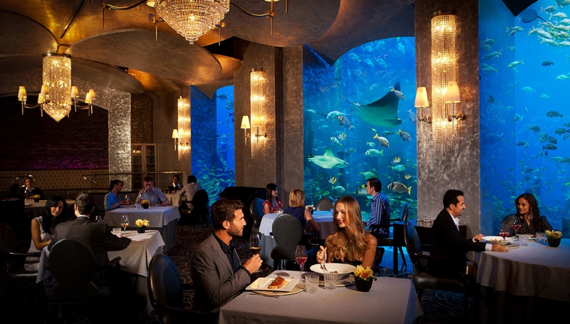 Top 10 best and luxurious restaurants in dubai for Best luxury family hotel dubai
