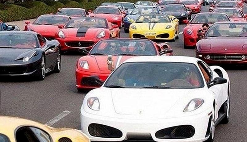Supercars Traffic Jam